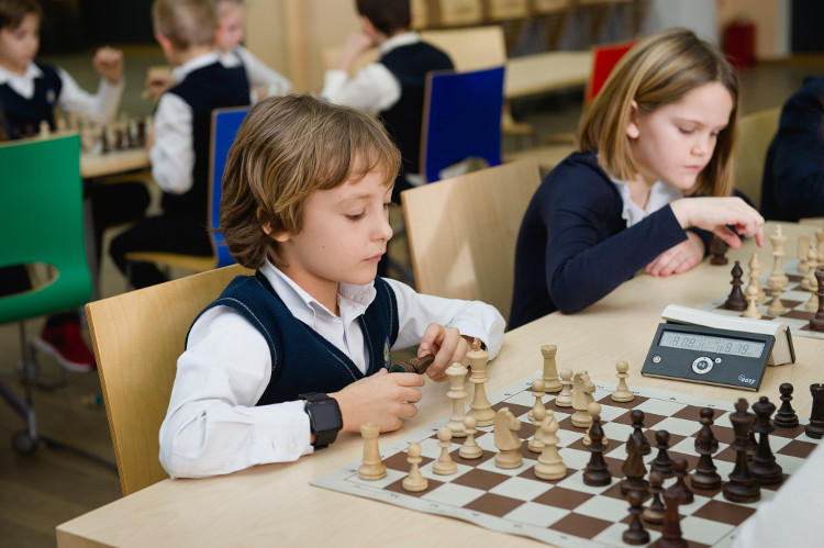 Фото в переходе обучаю шахматам